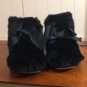 Kate spade navy faux fur slippers with bow size 8